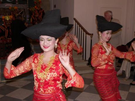 Tarian Sumatera Utara 3